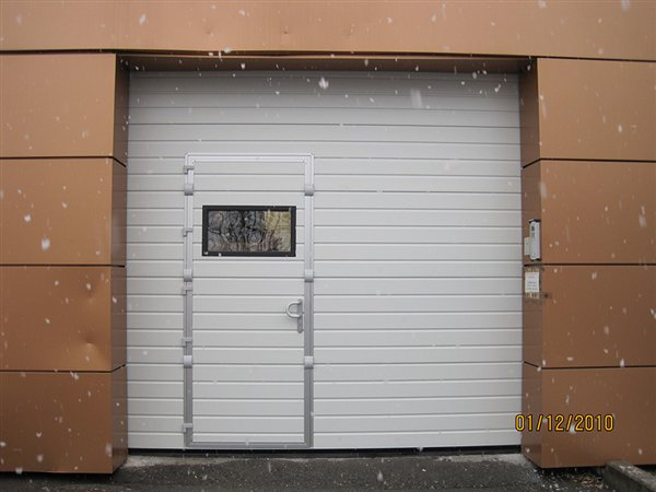 Saracinesca Con Porta Pannelli Termoisolanti