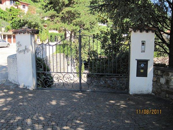 Cancello A Due Ante Battenti.Elmic Sagl Portoni Industriali Porte Ad Avvolgimento